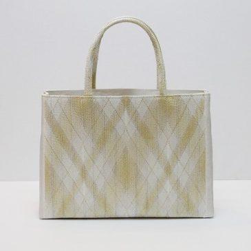 A4サイズ楽々の和装バッグ