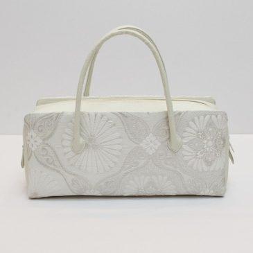 利休バッグ 潔い白
