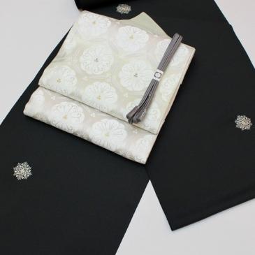 着物コーディネート 刺繍飛び柄小紋を格調高く