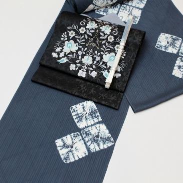 着物コーディネート 絞り小紋と刺繍帯で冬美人きもの