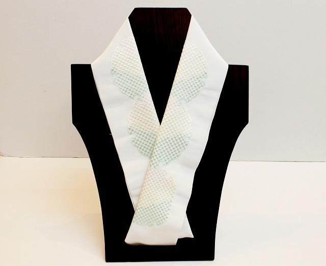 刺繍半衿 雪輪