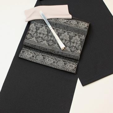 着物コーディネート 塩沢御召単衣に単衣帯で黒×黒